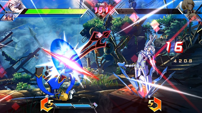 Nu-No.13 summons a blade upon Jin Kisaragi in BBTAG.